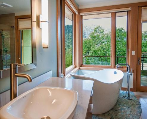 Delgado Architect Ashland Residence Stand Alone Soaking Tub