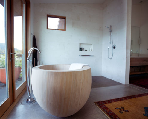 Delgado Architect Ashland Round Wooden Soaking Tub